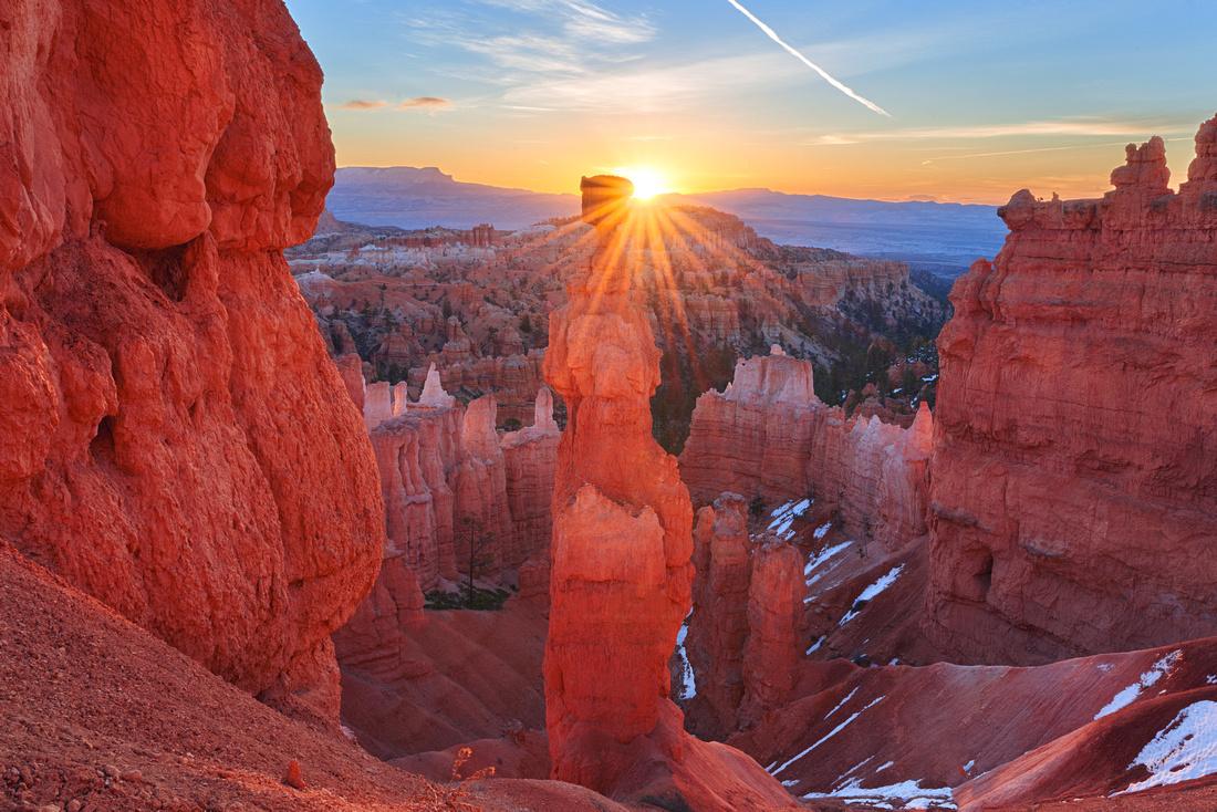Sunrise at Bryce Canyon: Thor's hammer