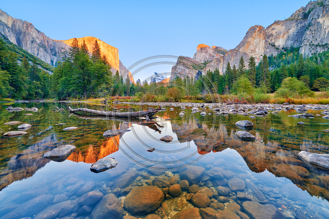 Yosemite Valley and Merced river during fall season