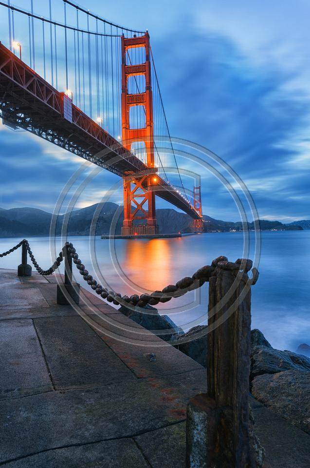 Golden gate Bridge : Dusk at Fort Point, San Francisco